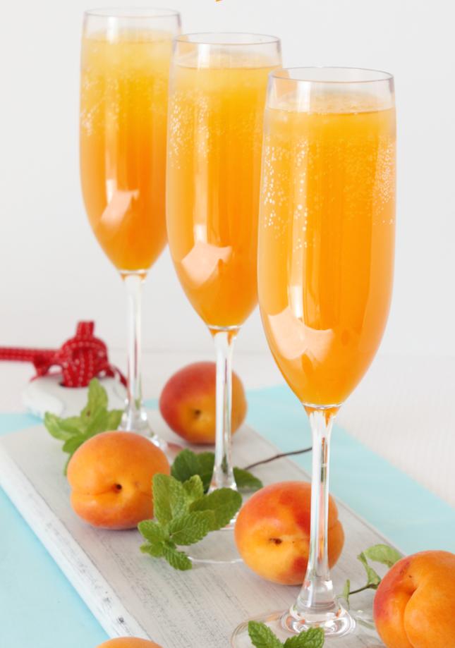 Apricot-Bellini