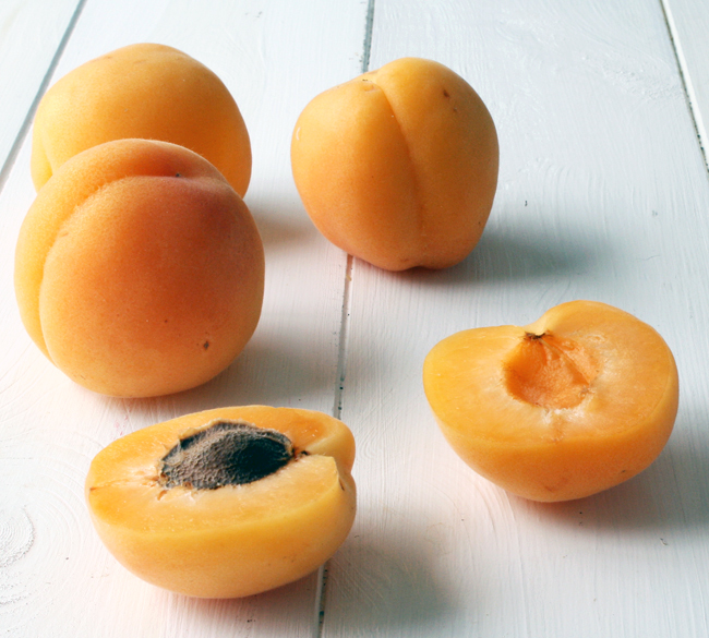 4 apricots
